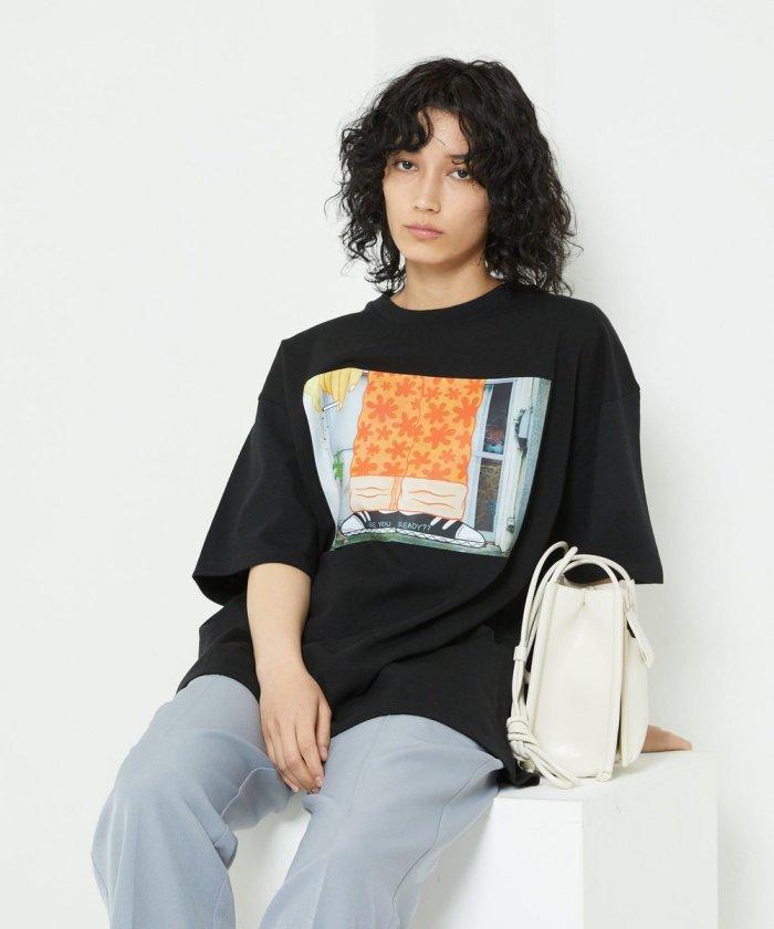 オザキエミレッグTシャツ