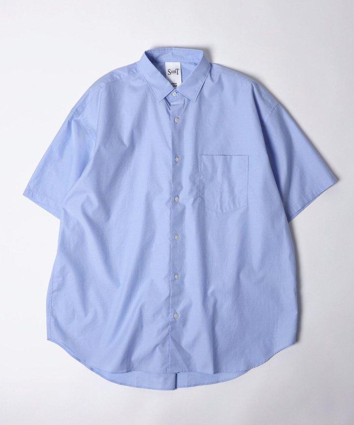 ショートスリーブレギュラーカラーシャツ