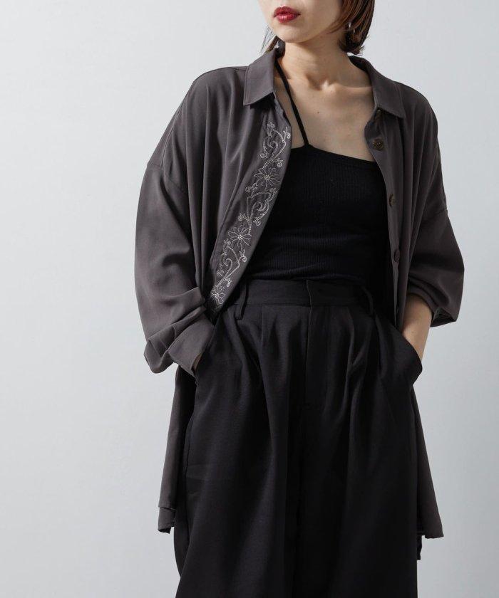 前立てボタニカル刺繍オーバサイズシャツ【WEB限定】